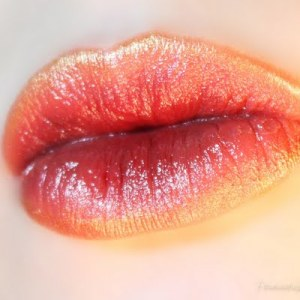 golden-peach-ombre-lips_look_71f400fe13b0de085f3dd4c277779d82_tile_small